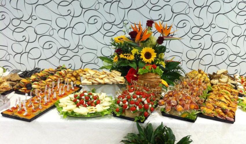 buffet eventi, pasticceria salata, catering, prodotti tipici, produzione artigianale, locale, bollicine, spumante, brindisi, festa, pasticceria dolce, torta, torte, pasticcini, compleanno, cresima, battesimo, comunione, pensionamento, anniversari, cerimonie